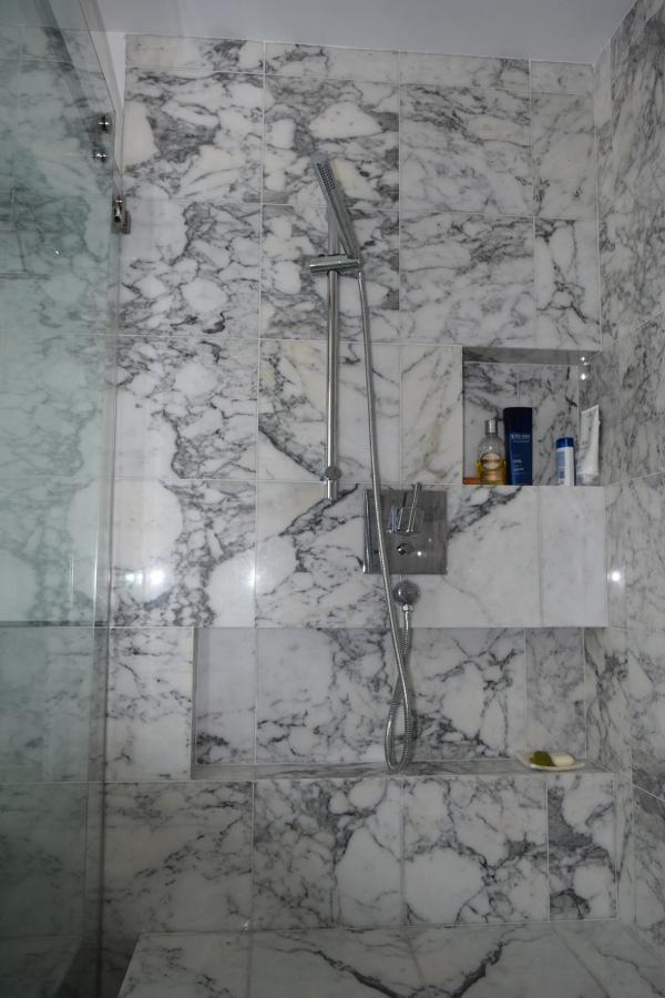 Foto regadera de telefono de house renovation 286879 for Regadera de telefono