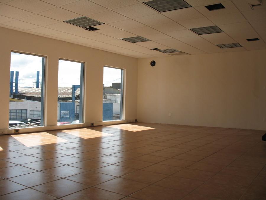 Foto remodelaci n del rea de oficinas de kingdar 184313 for Remodelacion oficinas