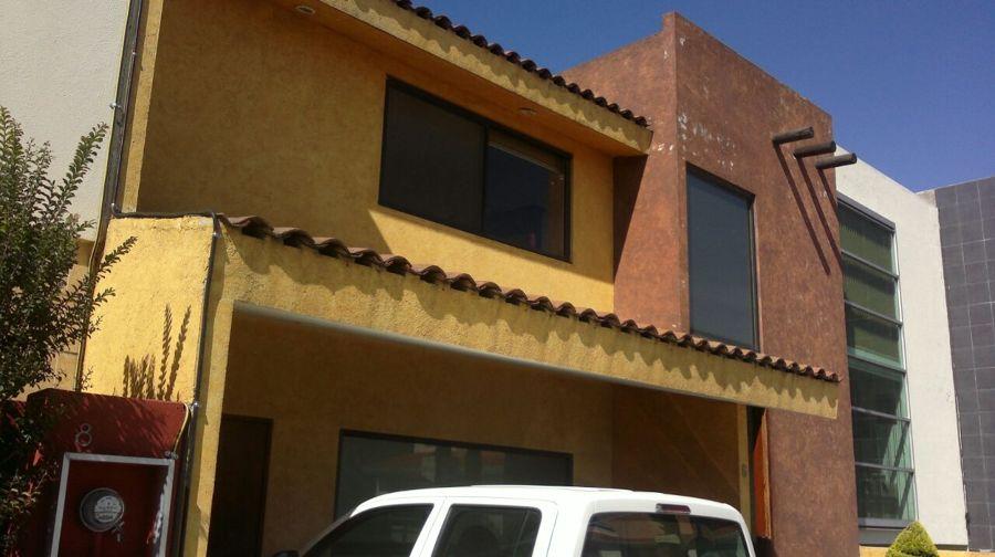 Remodelaci n de fachada fraccionamiento rinc n de las for Casas con tablillas
