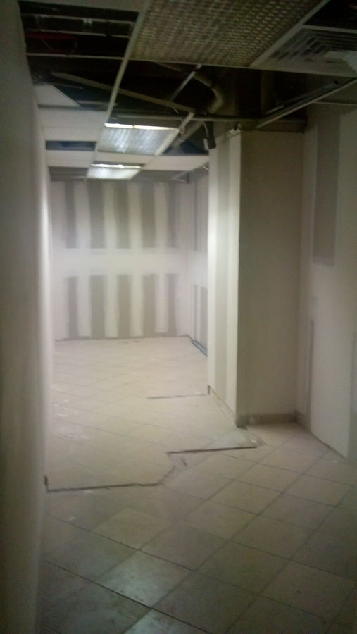 5 Remodelación general de oficinas – antes 5.jpeg