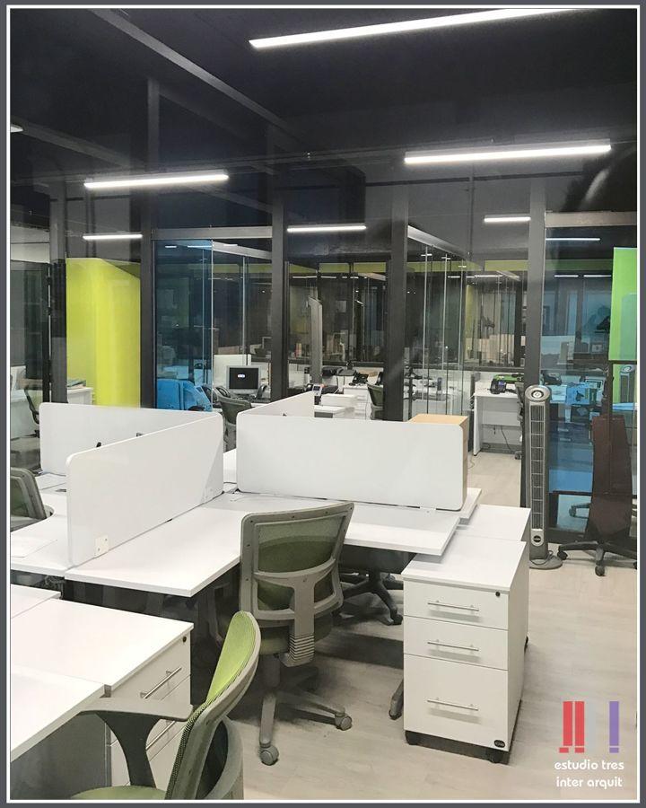 Foto remodelacion oficinas de estudio tres inter arquit for Remodelacion oficinas