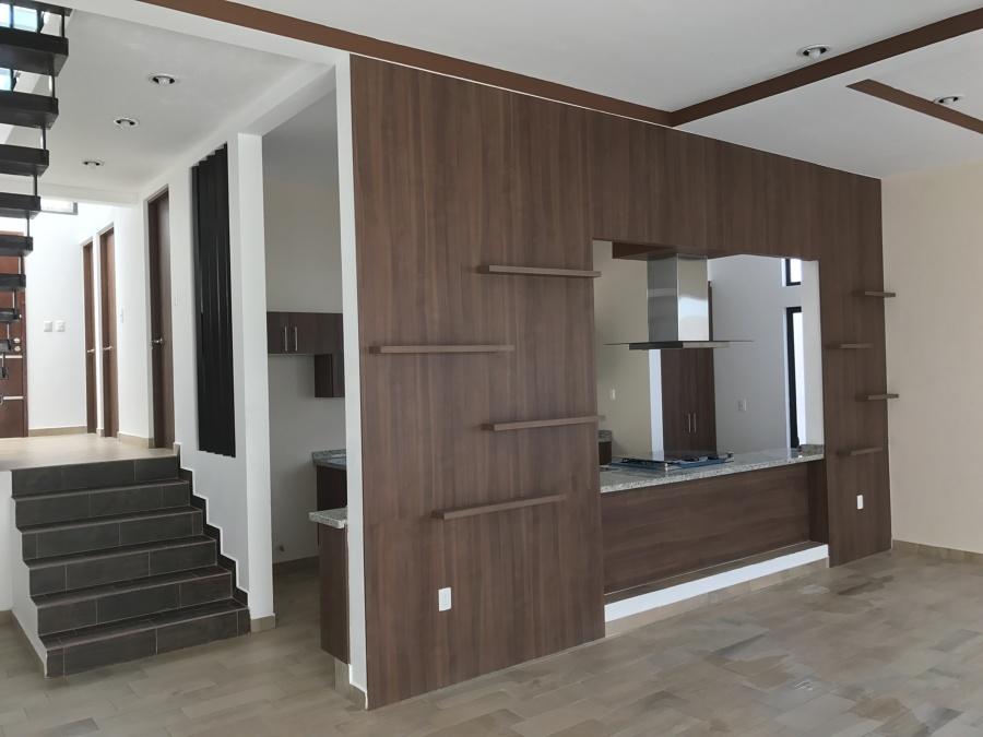 Foto sala comedor y cocina en doble altura de sesife s for Sala y comedor completos