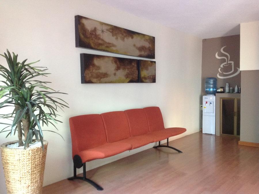 Sala es espera de laboratorio clinico