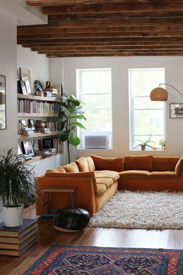 Sala con piso de madera
