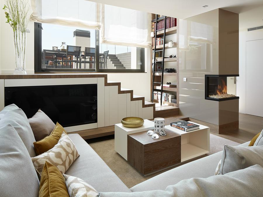 Foto sala de planta irregular a doble altura con chimenea 311018 habitissimo - Mucho mueble leon ...