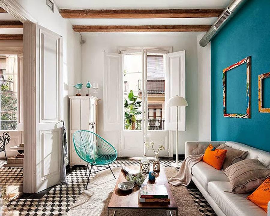 Sala estilo ecléctico con mezcla de colores
