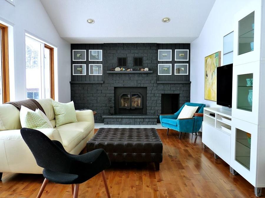 Sala con chimenea remodelada