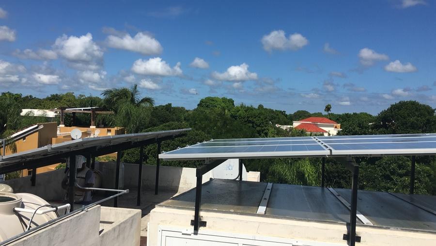 Sistema Fotovoltaico en playa