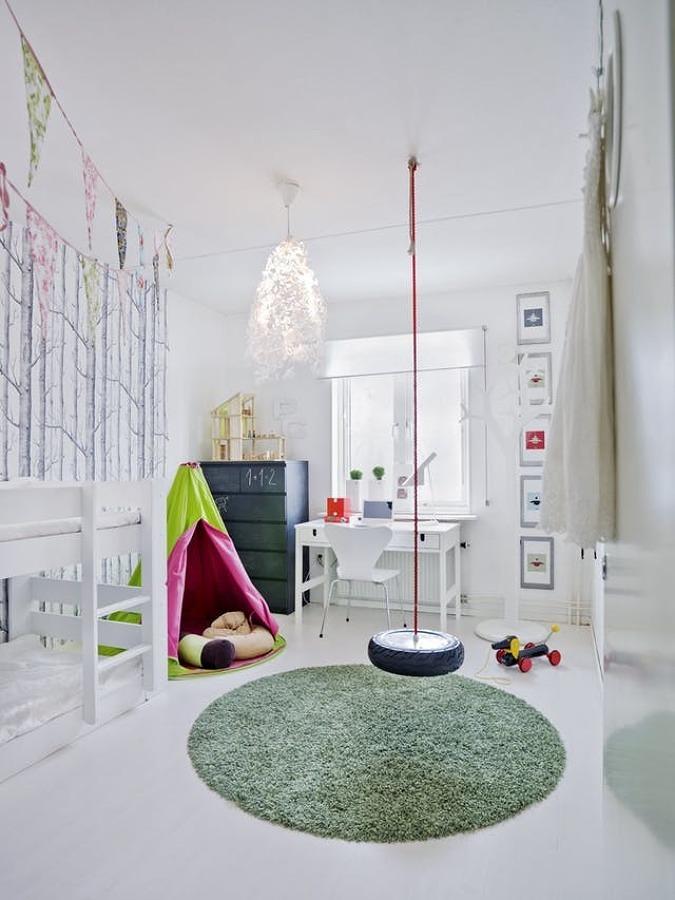 Recámara infantil con tapete de pasto sintético