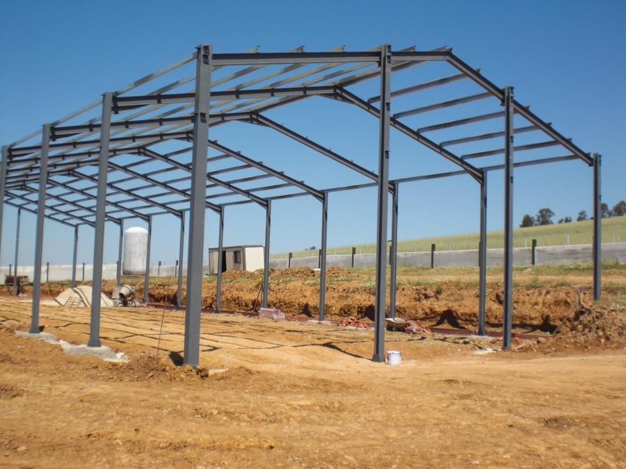 Estructuras met licas para nave industrial ideas for Como hacer una estructura metalica para techo