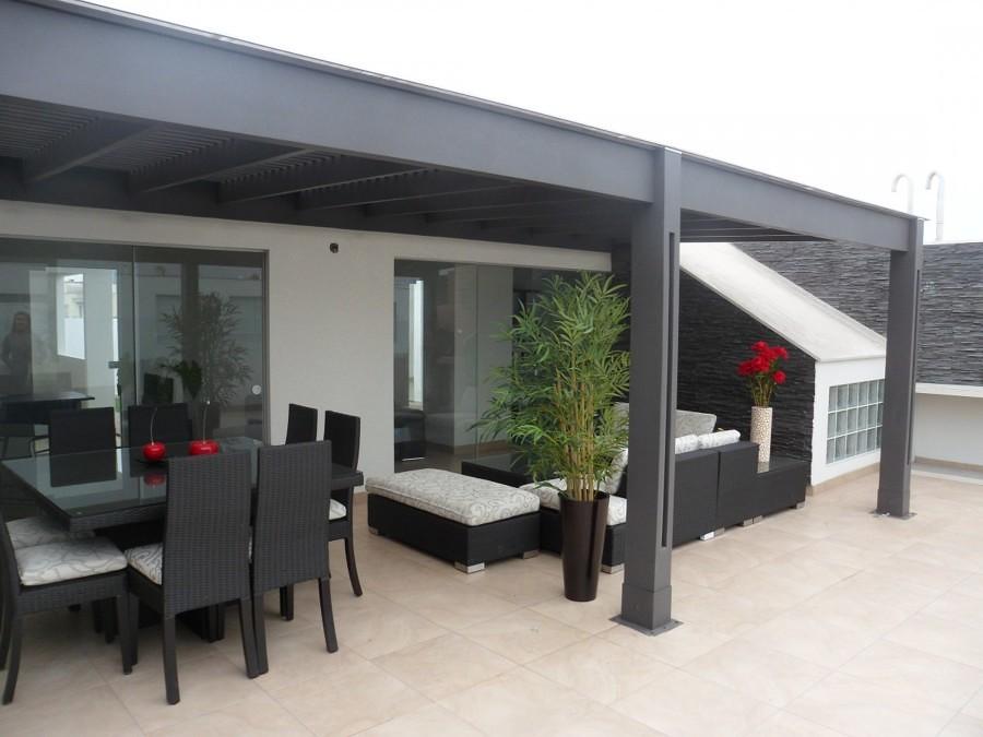 Terraza con techo de policarbonato