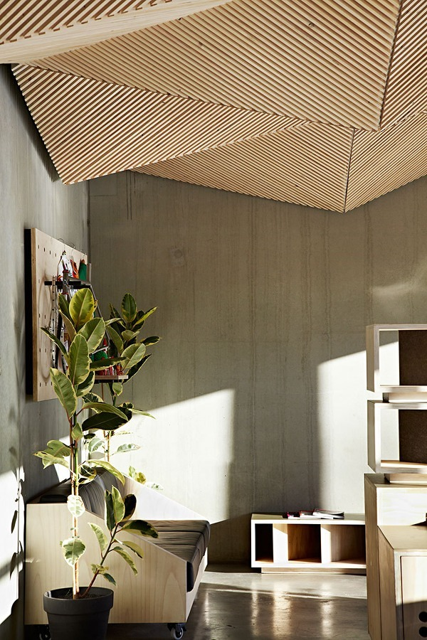 Techo de diseño con tablones de madera