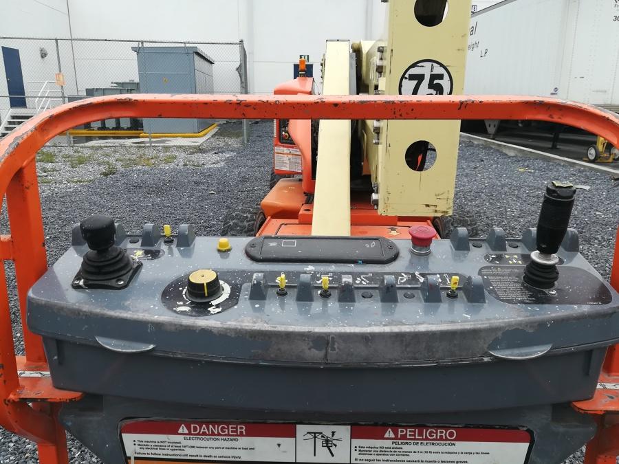 Terminando Cableado en Nave Industrial