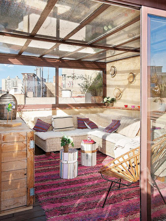 Terraza con cerramiento completo de vidrio