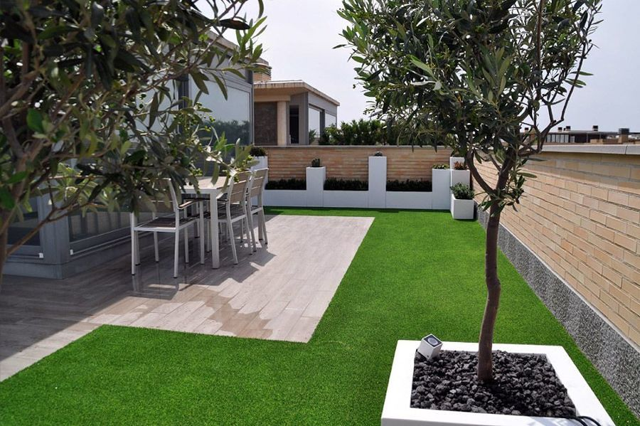 Renueva tu terraza en s lo un d a ideas dise o de - Cesped artificial por metros ...