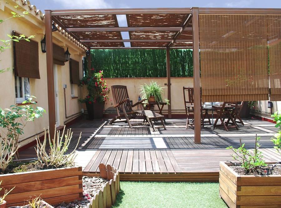 Terraza con pérgola de aluminio