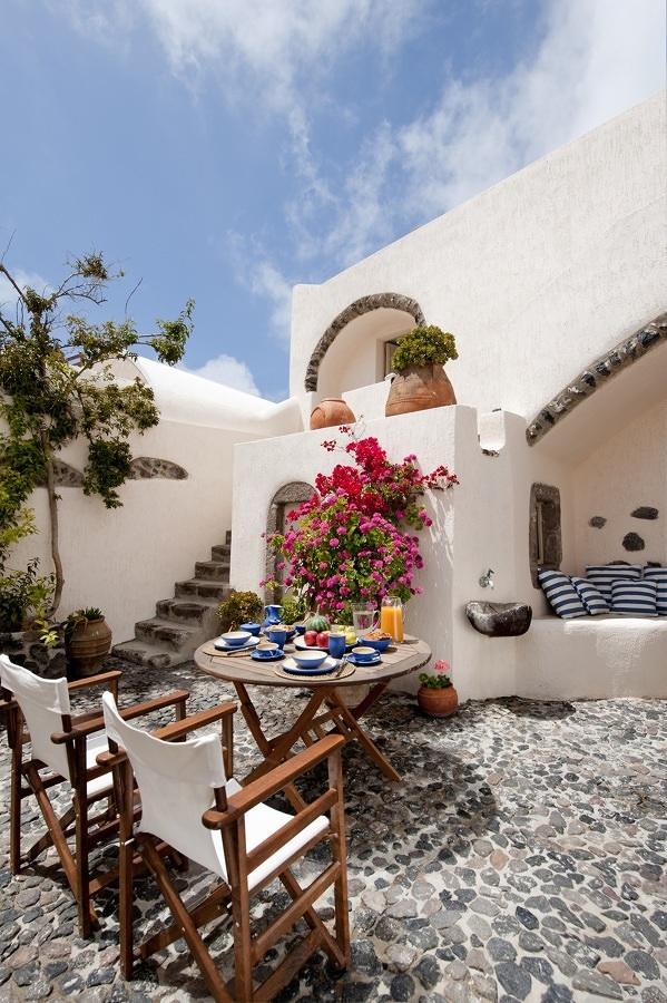 Terraza con piso de piedra