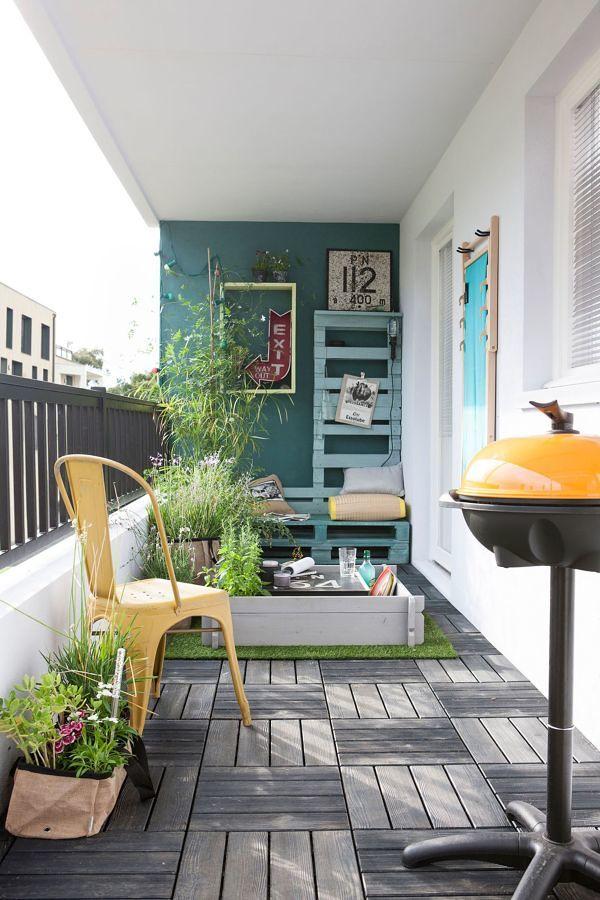 Terraza con una pared pintada