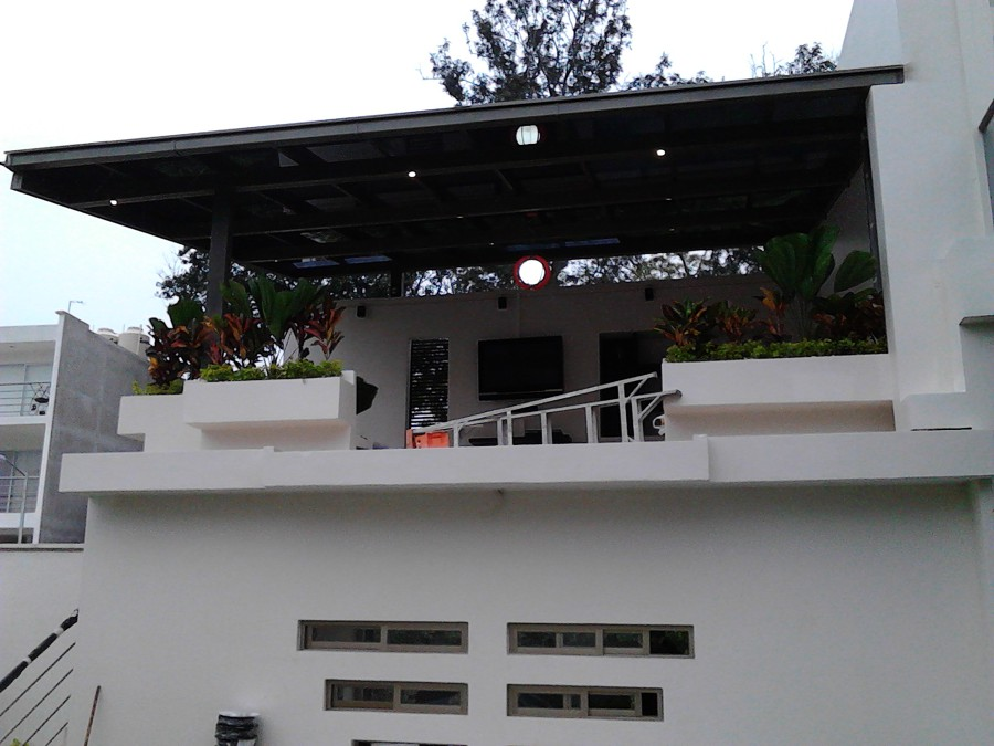 Foto terraza minimalista de servicios integrales en for Terrazas minimalistas fotos