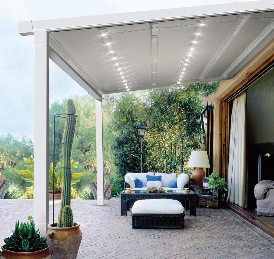Pérgola con techo textil