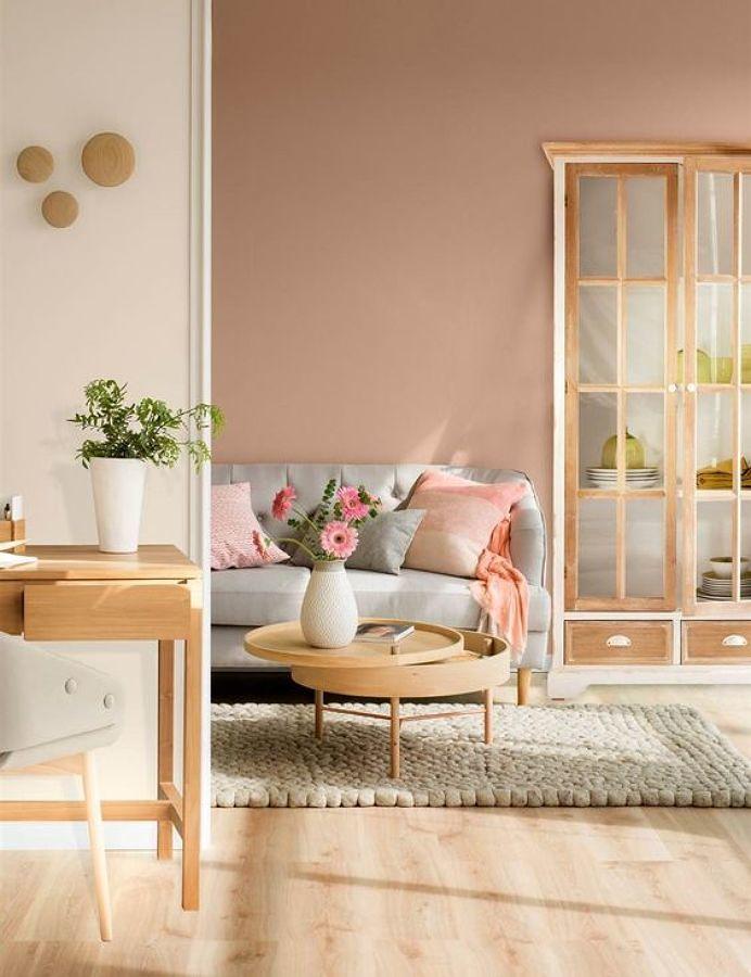 Sala decorada con tono rosa elegante
