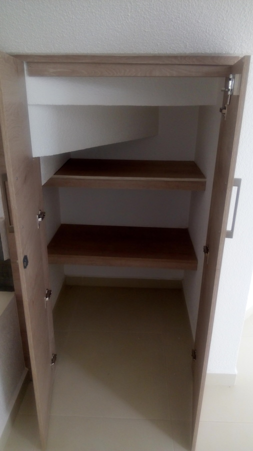 vista 2 alacena debajo escalera