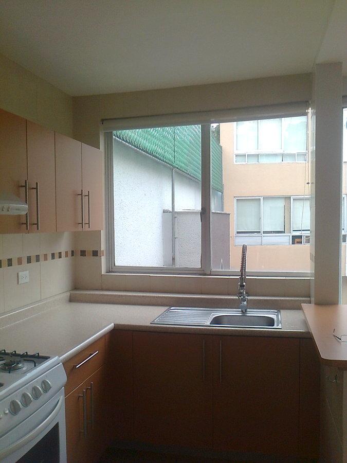 Foto vista de cocina terminada de soluciones en pintura for Vistas de cocinas