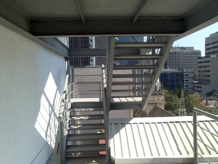 Vista de escaleras ya terminadas.