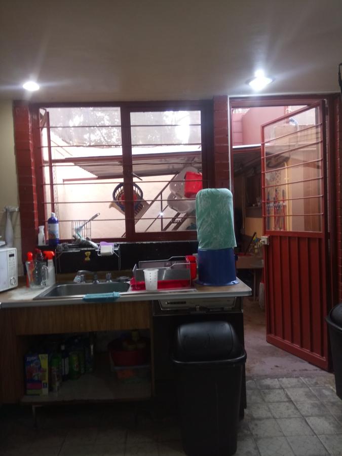 Vista de la cocina antes