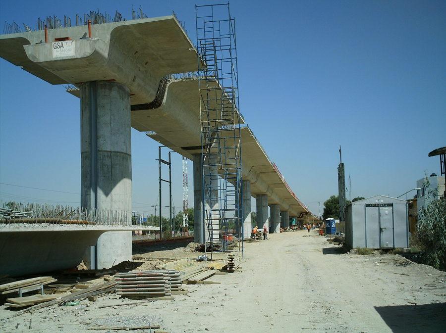 Vista de la parte norte del puente en proceso de construcción