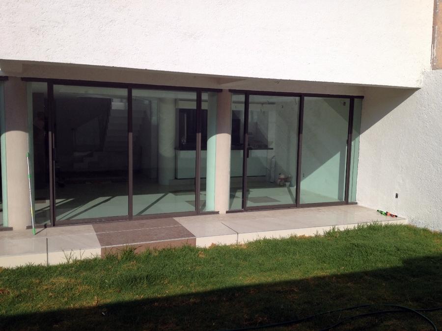 Foto vista jard n a la sala comedor casa de prieto gaeta for Comedor para jardin