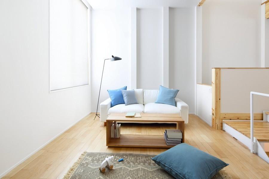Sala casa prefabricada luminosa