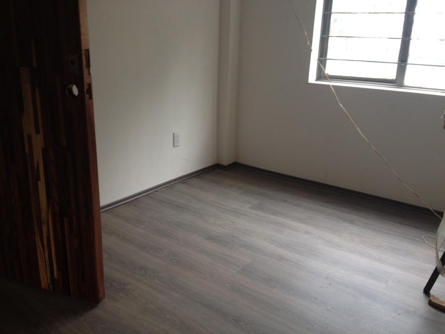 Piso nuevo en oficina ideas pisos madera for Pisos nuevos en barakaldo