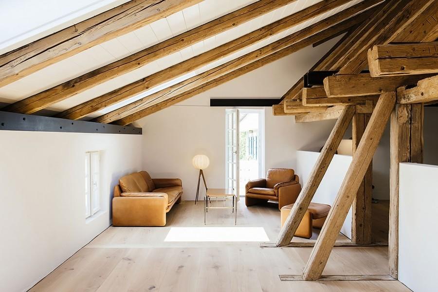 Ático casa antigua con vigas de madera