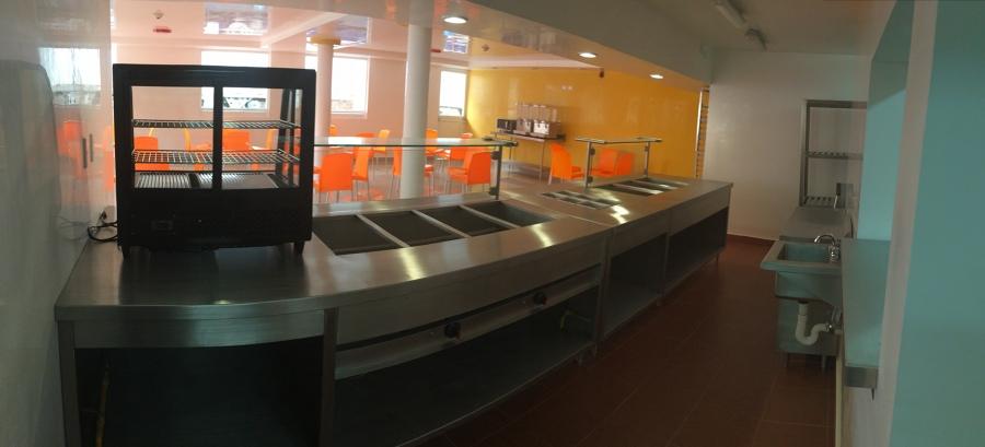 Construcci n de comedor industrial incluye suministro y for Mobiliario y equipo de cocina