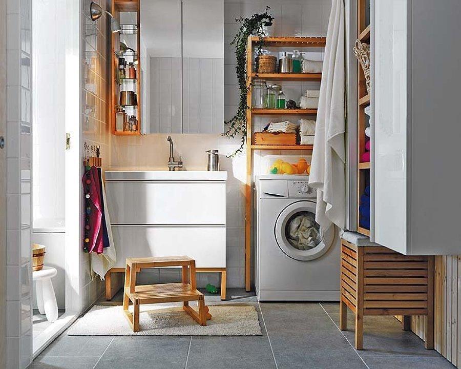 Zona de lavado integrada en el baño