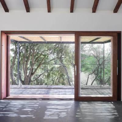 ventana corrediza de madera