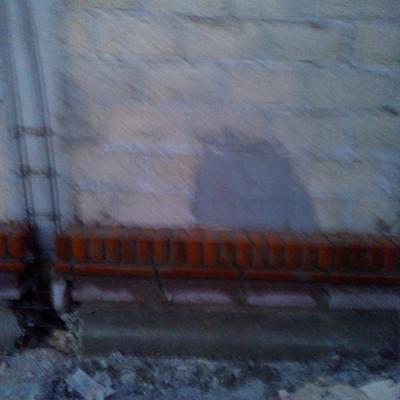 CONSTRUCION DE CASA ESTILO MEXICANO Y MUROS PERIMETRALES CON SILLAR Y TABIQUE ROJO