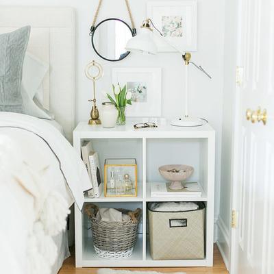 cuarto con muebles ligeros