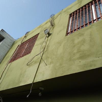 Aplicación de pintura vinilica en exterior de domicilio