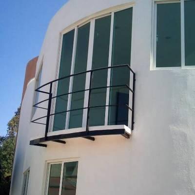 Balcón desde el jardín