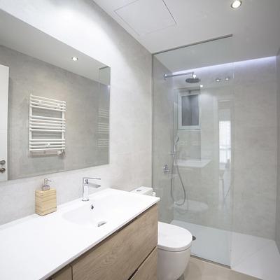 "Bendita ""obra seca"": ¡remodela tu baño haciendo trampa!"