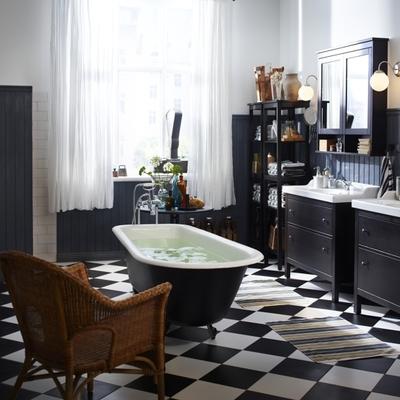 baño en blanco y negro vintage