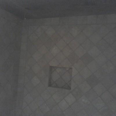 Escaleras, pisos y baños