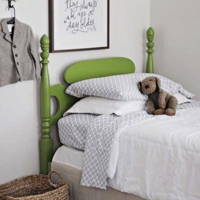 Cabecera de cama color Greenery