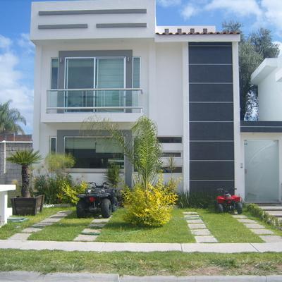 Alberca y casa en San Antonio de Ayala (Irapuato)