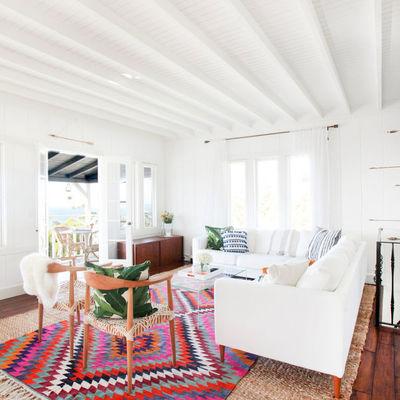 Casa en tonos blancos