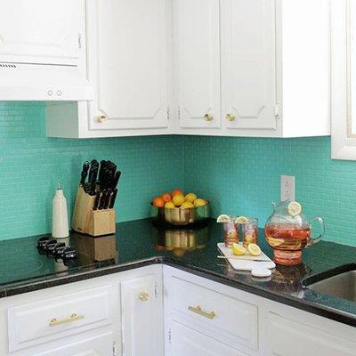 5 cocinas antes y después de pintar los azulejos