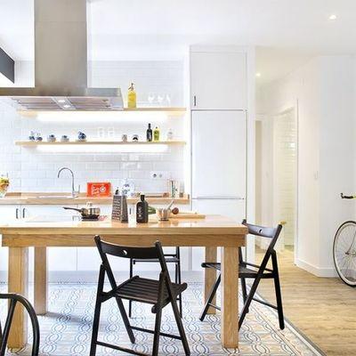 Cocina pequeña integrada en la sala