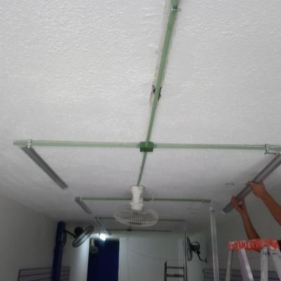 Instalación de luminarias local comercial